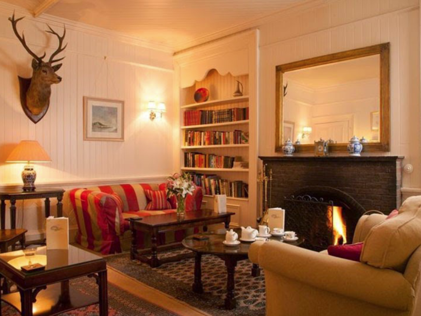 The cosy lounge in the The Airds Hotel in Scotland